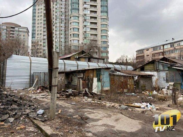 Казахстанцы: Мы едва сводим концы с концами. Денег не хватает даже на продукты